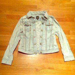 Small Gap Light Blue Denim Jean Jacket Buttons